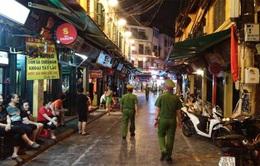Xử phạt hơn 70 trường hợp không đeo khẩu trang trên phố cổ trong 7 ngày Tết