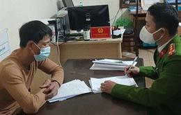 """Xử phạt 2 người đưa khách tham quan chùa Hương """"chui"""" bất chấp lệnh cấm"""