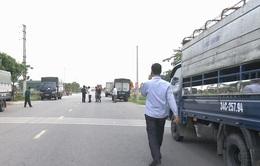 Không biết nơi xét nghiệm COVID-19, chi phí cao gây khó cho các lái xe chở hàng từ vùng dịch