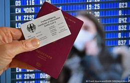 """Đan Mạch, Thụy Điển phát triển """"hộ chiếu vắc xin COVID-19"""""""