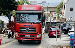 Lùi trên đường Vành đai 3, tài xế xe tải bị phạt 17 triệu đồng, tước bằng lái 7 tháng