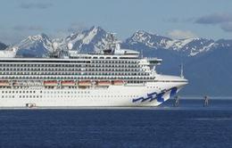 Canada gia hạn lệnh cấm tàu du lịch cập cảng do lo ngại lây lan dịch