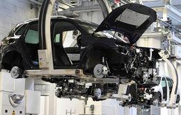 Báo động tình trạng khan hiếm vật liệu bán dẫn phục vụ ngành chế tạo xe hơi