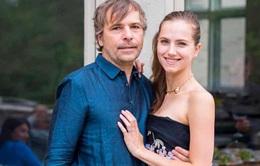Canada phạt nặng cặp đôi đại gia nói dối để được tiêm vaccine trước hạn