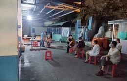 Đêm 7/2: Xét nghiệm lại COVID-19 cho nhân viên sân bay Tân Sơn Nhất