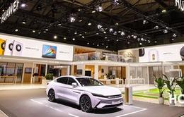 Bán điện thoại gặp khó, Huawei định sản xuất xe điện
