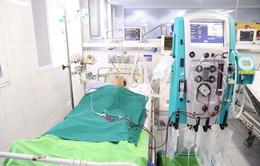Cứu bệnh nhân ngừng tuần hoàn nhiều lần trên bàn chụp mạch vành