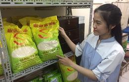 """Loạn sản phẩm gạo ST25, người tiêu dùng rơi vào """"ma trận"""" thật - giả"""
