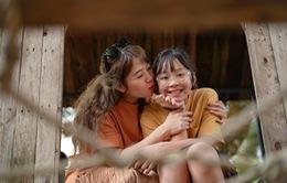 BTV Diệp Chi khoe bộ ảnh cực dễ thương bên cạnh con gái