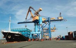 Lần đầu tiên sau 10 tháng Việt Nam thâm hụt thương mại