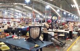 Hàng trăm người lao động mất việc được tìm việc làm mới phù hợp hơn