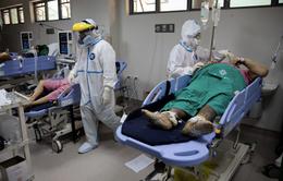 Làn sóng COVID-19 mới khiến bệnh viện ở Philippines quá tải