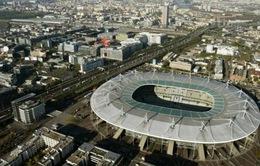 Sân vận động khổng lồ ở Pháp biến thành điểm tiêm phòng
