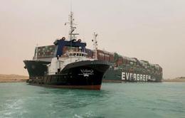 """Kênh đào Suez tắc nghẽn """"đe dọa"""" nghiêm trọng chuỗi cung ứng toàn cầu"""