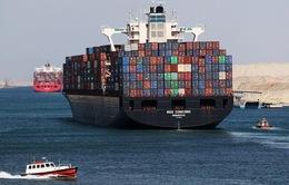 Kênh đào Suez tắc nghẽn khiến chi phí vận tải biển tăng vọt