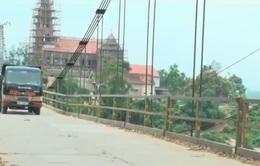 Mất an toàn giao thông tại cầu treo sông Giăng