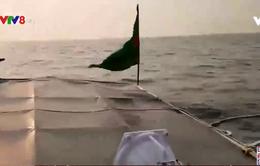 Quảng Nam:Nỗ lực trục vớt tàu cá bị chìm
