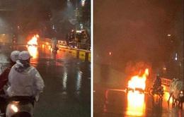 Triệu tập chủ xe Volvo đâm xe máy bốc cháy rồi bỏ chạy