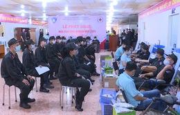 Hàng trăm cảnh sát đặc nhiệm hiến máu cứu người