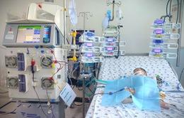 Lọc máu liên tục cứu bé 6 tháng tuổi mắc tay chân miệng do chủng EV71