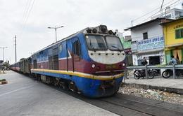 Đầu tư đường sắt tốc độ cao Bắc - Nam: Băn khoăn các phương án lựa chọn
