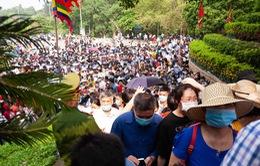 ẢNH: Hàng vạn người nô nức đổ về đền Hùng trong ngày Giỗ Tổ