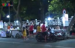 Chợ đêm tự phát giữa trung tâm thành phố Huế