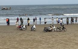 8 học sinh lớp 6 tắm biển, 4 em chết đuối và mất tích