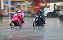 Lạnh về, Hà Nội và các tỉnh miền Bắc mưa to, có khả năng lốc, sét