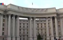 Ucraina trả đũa, trục xuất nhân viên lãnh sự Nga