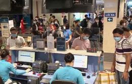 Cao điểm di chuyển tại sân bay Nội Bài và Tân Sơn Nhất trước kỳ nghỉ lễ