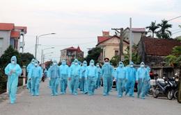Bộ Y tế: Tốc độ lây nhiễm ở Hà Nam nhanh, lấy mẫu xét nghiệm toàn bộ người dân thôn Quan Nhân trong đêm 29/4