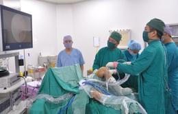 Nội soi khớp gối điều trị cho nam thanh niên bị đứt dây chằng phức tạp do tai nạn