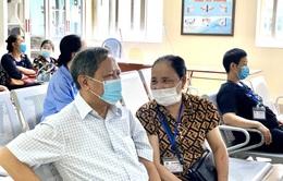 15 năm chiến thắng ung thư phổi, người chồng trở thành điểm tựa vững chắc cho người vợ mới mắc ung thư vú