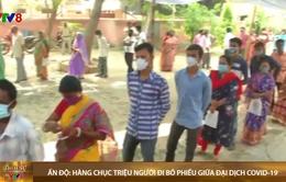 Hàng triệu người Ấn Độ tiếp tục đi bỏ phiếu giữa thảm họa COVID-19