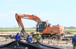 Khí thế lao động khẩn trương trên công trường đường băng Nội Bài