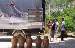 Kon Tum: Khởi tố nhóm đào mộ trộm tài sản