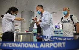 Tạm dừng, hạn chế việc nhập cảnh đối với người nước ngoài, người Việt Nam ở nước ngoài