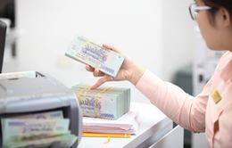 Tiền nhàn rỗi vẫn chảy vào ngân hàng dù lãi suất thấp