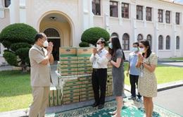 Vinamilk và công ty con tại Campuchia hỗ trợ cho người dân và trẻ em nước bạn chống COVID-19