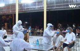 Bắc Ninh xuyên đêm xét nghiệm sàng lọc COVID-19 cho 22.000 công nhân