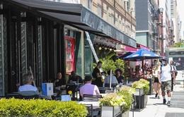 """Nhà hàng tại New York mở cửa trở lại: Nhiều thách thức để quay về """"quỹ đạo"""""""