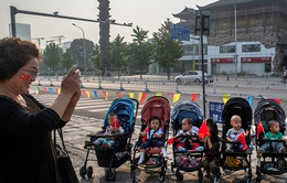 Trung Quốc cho phép các cặp vợ chồng sinh con thứ ba