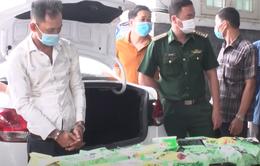 Triệt phá vụ vận chuyển 20 kg ma túy từ Campuchia về Việt Nam