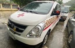 Xe cứu thương chở 11 người từ Bắc Ninh về Sơn La với giá 300.000 đồng/người