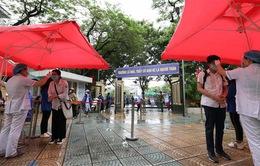 Kỳ thi vào lớp 10 chưa từng có tiền lệ tại Hà Nội: Vừa chống dịch vừa vượt bão