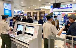 Cấm bay có thời hạn 6 hành khách vi phạm quy định an ninh hàng không