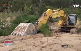 Rầm rộ khai thác cát trái phép tại Bình Thuận