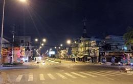 TP Hồ Chí Minh phong tỏa thêm 6 khu vực, tạm dừng các hoạt động không cần thiết, dừng taxi, giải tán chợ tự phát