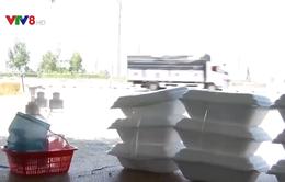 Siết chặt phòng dịch ở các quán ăn ven Quốc lộ